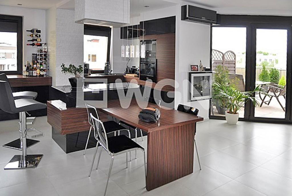 luksusowy salon w apartamencie w Toruniu na sprzedaż