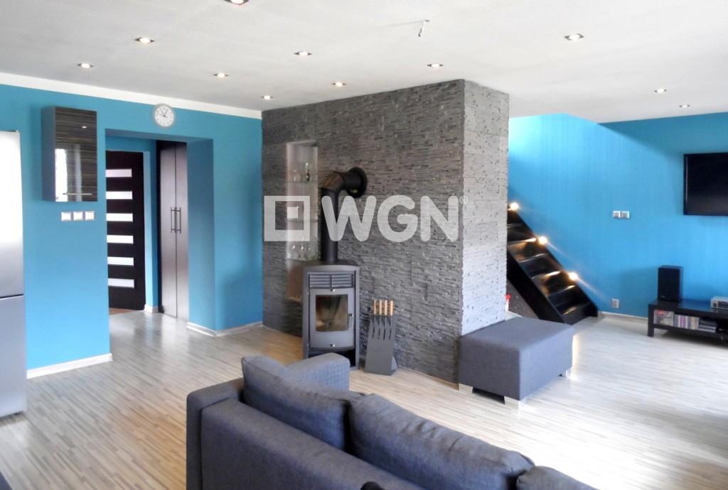 na zdjęciu salon w luksusowym apartamencie w Legnicy do sprzedaży