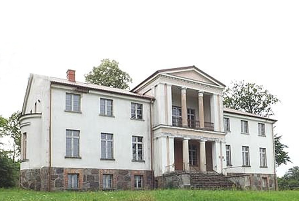front pałacu na sprzedaż w województwie pomorskim