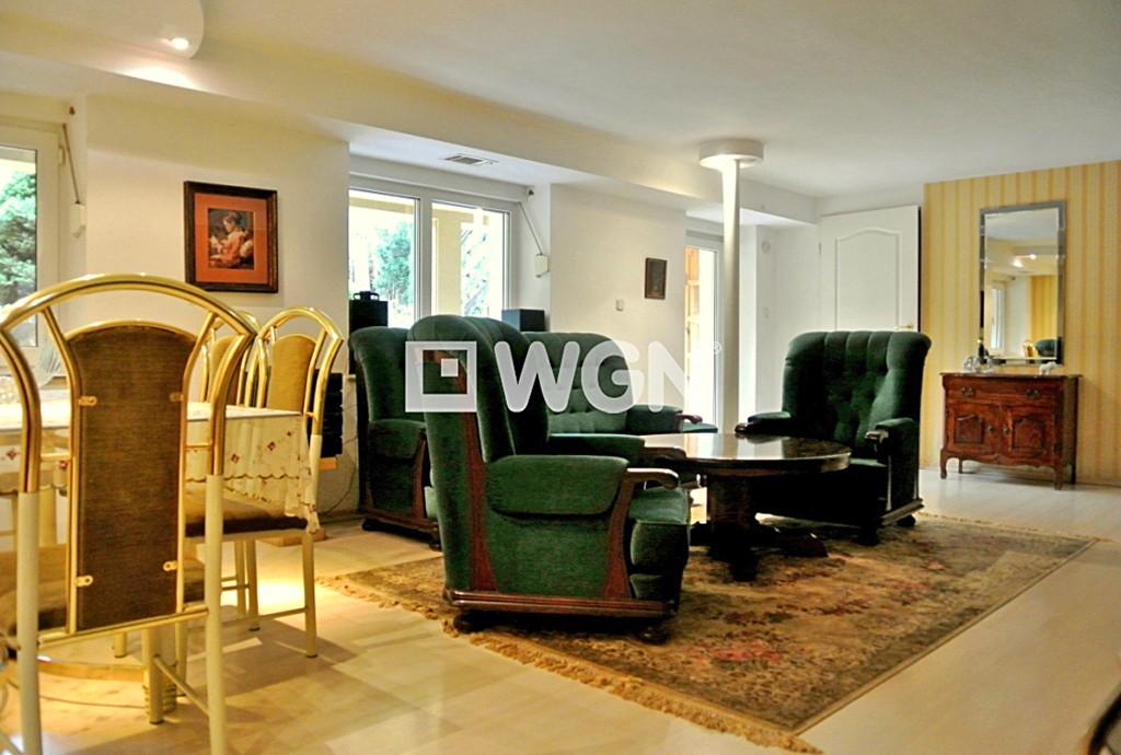 na zdjęciu wnętrze luksusowej willi do sprzedaży w Legnicy
