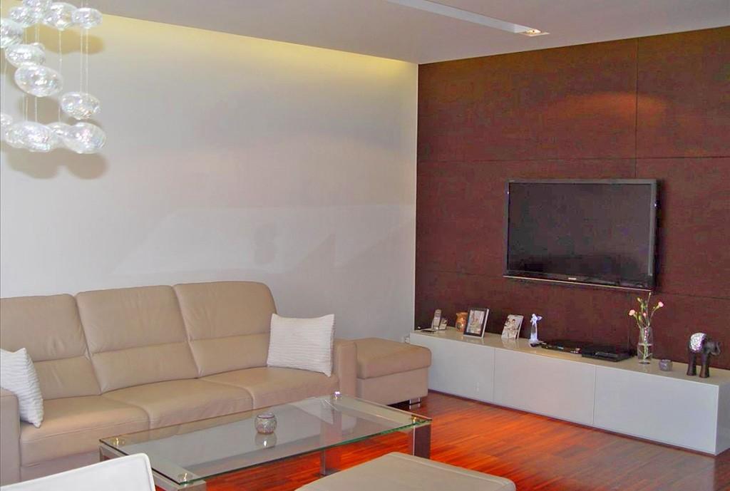 na zdjęciu salon w apartamencie w Częstochowie na sprzedaż