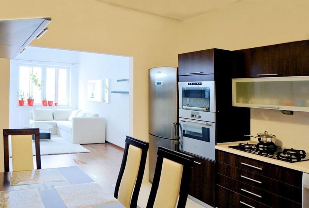 na zdjęciu kuchnia w apartamencie na sprzedaż w Grodzisku Mazowieckim