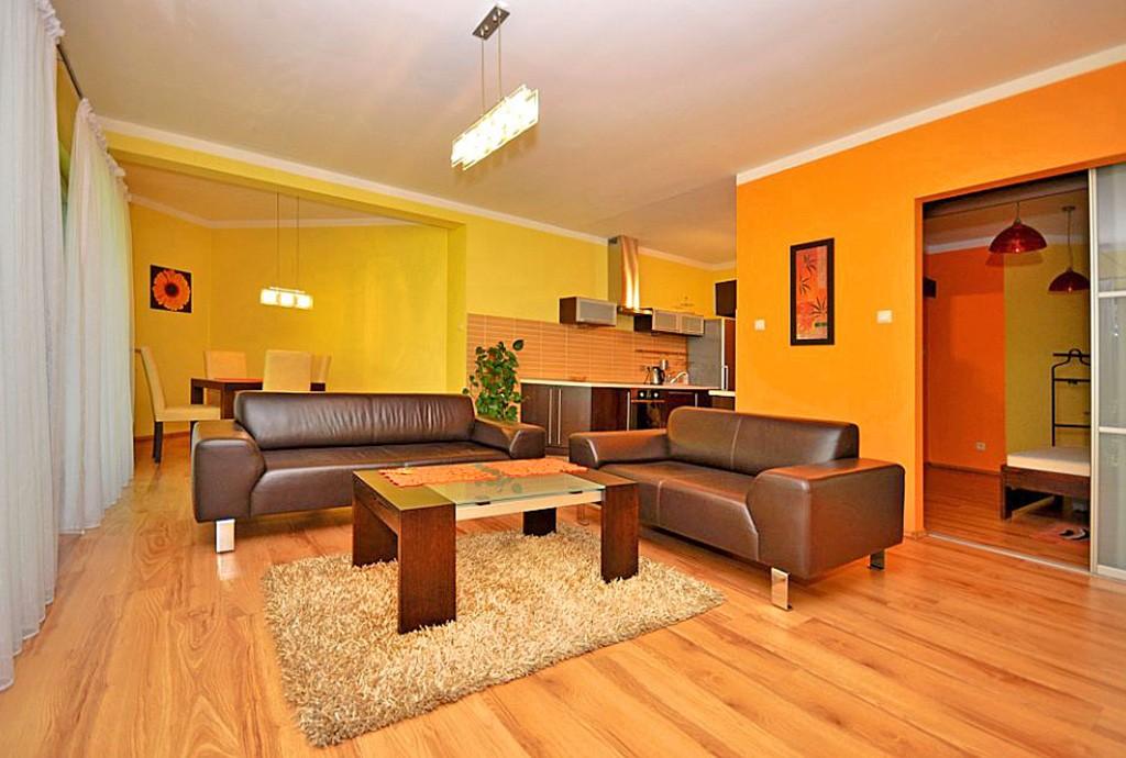zdjęcie przedstawia luksusowe wnętrze apartamentu do wynajęcia w Katowicach