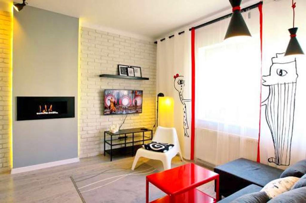 zdjęcie przedstawia salon w apartamencie w Toruniu do wynajęcia