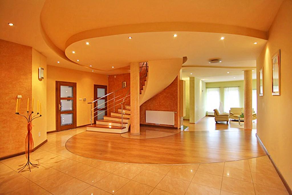 zdjęcie prezentuje wnętrze luksusowej willi na sprzedaż w Wieluniu