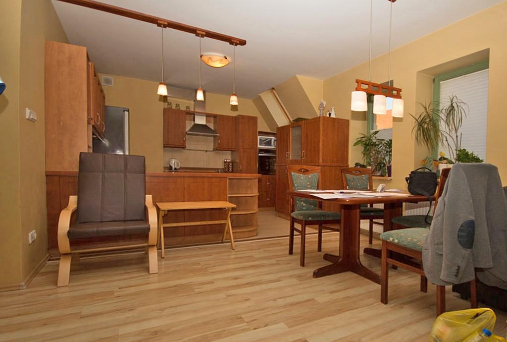 zdjęcie prezentuje luksusowe pomieszczenie w apartamencie do wynajęcia w Szczecinie