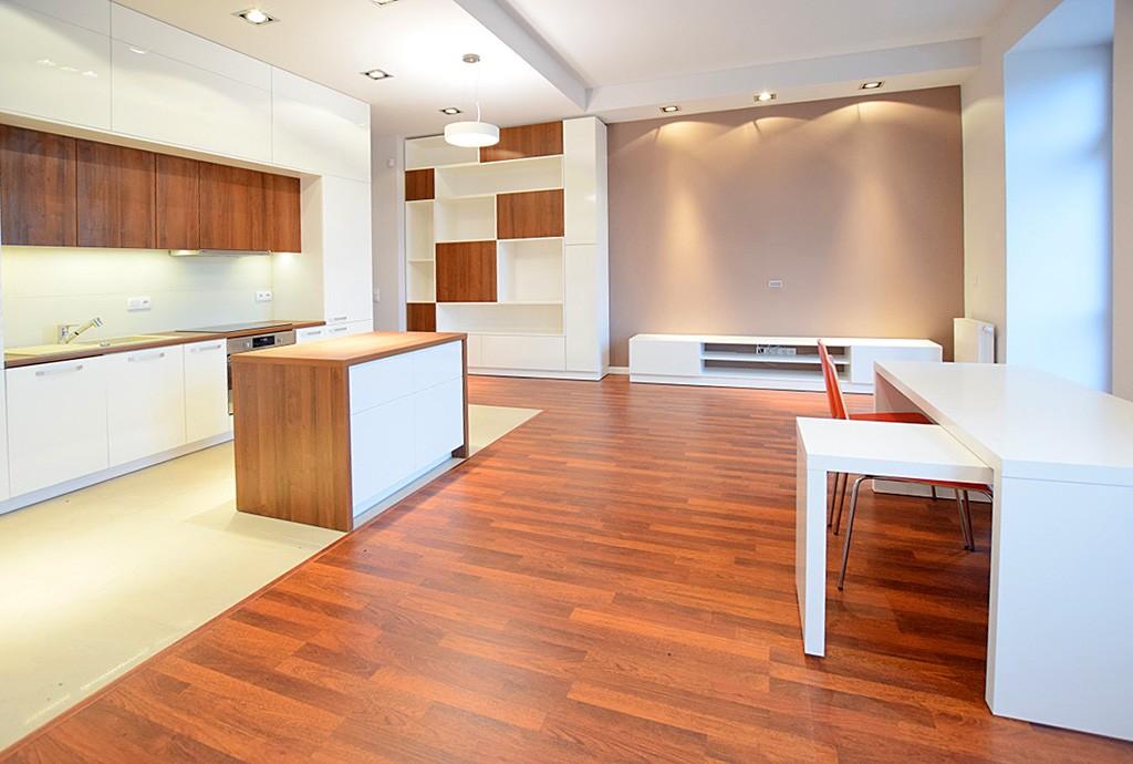 zdjęcie przedstawia ekskluzywne wnętrze apartamentu na wynajem w Suwałkach