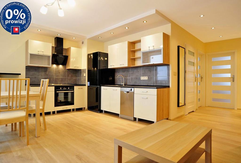zdjęcie prezentuje luksusowe wnętrze ekskluzywnego apartamentu do wynajęcia w Katowicach
