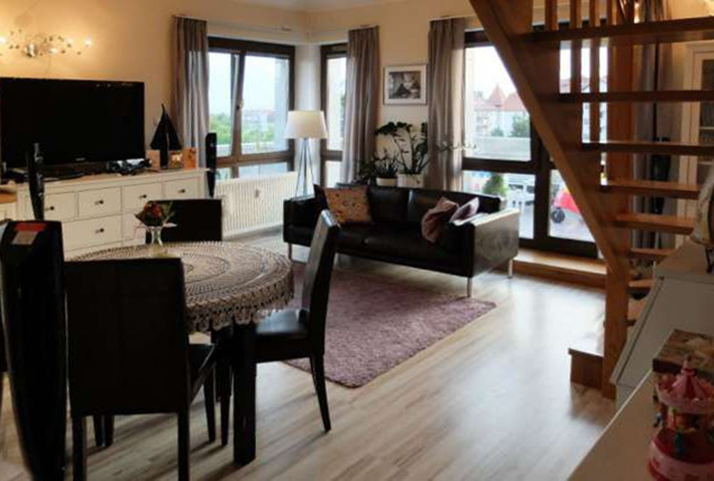 na zdjęciu ekskluzywny salon w luksusowym apartamencie do wynajęcia w Szczecinie