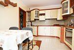 elegancko umeblowana i wyposażona kuchnia w willi w Wieluniu do sprzedaży