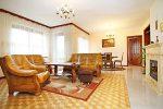 zdjęcie przedstawia ekskluzywne wnętrze luksusowej willi do sprzedaży w Wieluniu