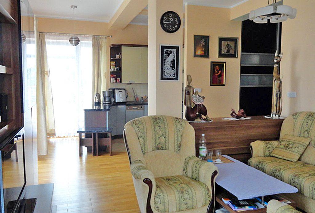 zdjęcie przedstawia luksusowe wnętrze ekskluzywnego apartamentu do sprzedaży w Brodnicy