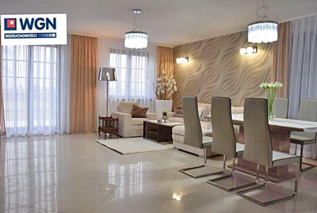 zdjęcie prezentuje ekskluzywny salon w luksusowej willi na wynajem w Słupsku