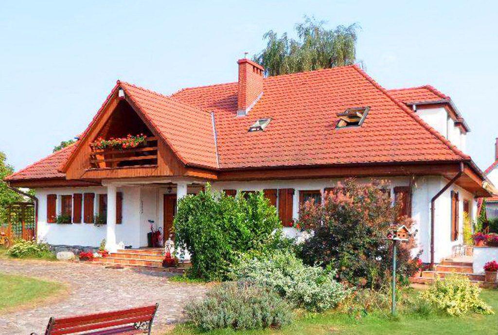 widok na front luksusowego dworu do sprzedaży w Gorzowie Wielkopolskim
