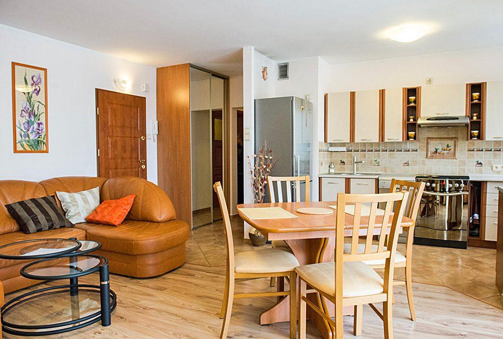 luksusowy salon w ekskluzywnym apartamencie do sprzedaży we Wrocławiu