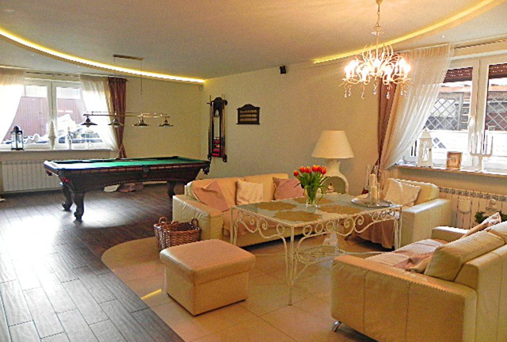 komfortowe wnętrze luksusowej willi do sprzedaży w Ostrowie Wielkopolskim