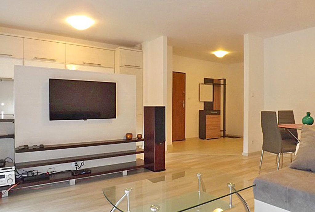 nowoczesny salon w luksusowym apartamencie do wynajęcia w Słupsku