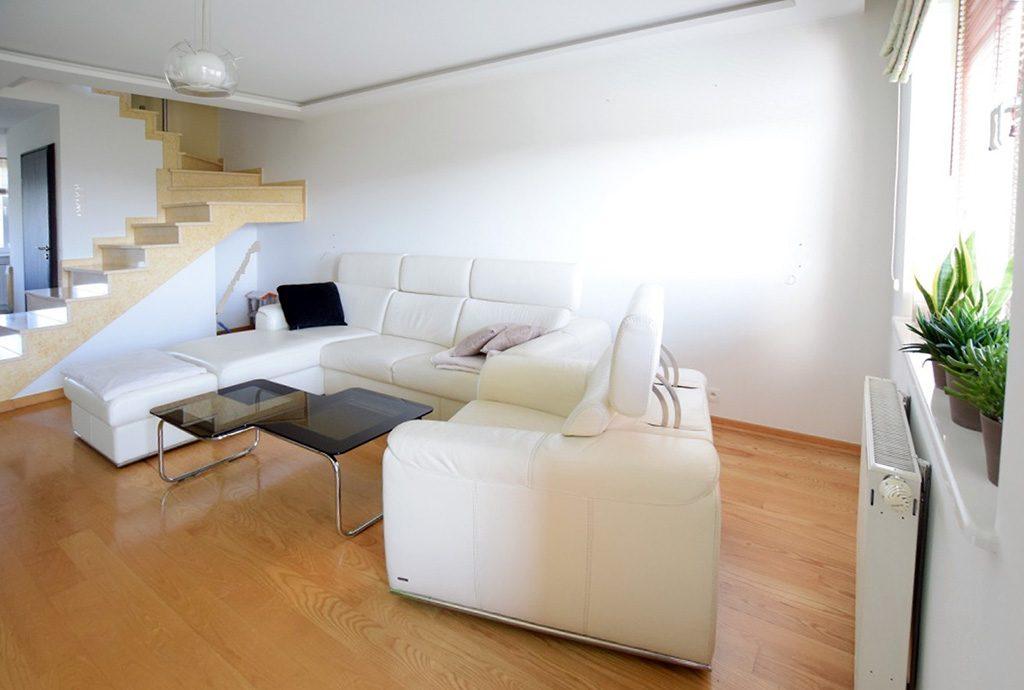 nowoczesny salon w luksusowym apartamencie do wynajęcia w Suwałkach