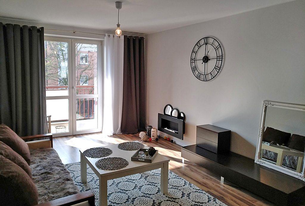 stylowy salon w luksusowym apartamencie do sprzedaży w Kaliszu