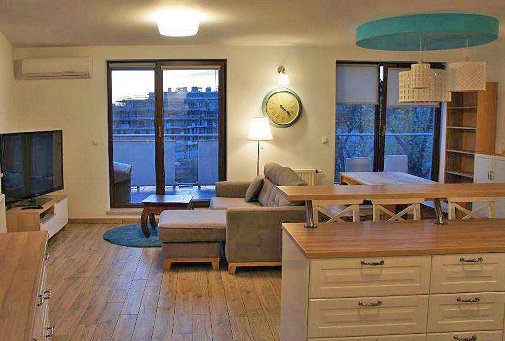 stylowy salon w ekskluzywnym apartamencie do wynajęcia w Krakowie