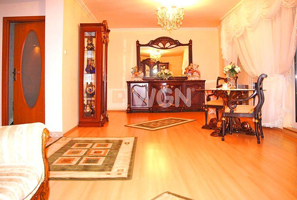 salon w stylu klasycznym w ekskluzywnej willi do sprzedaży w Inowrocławiu