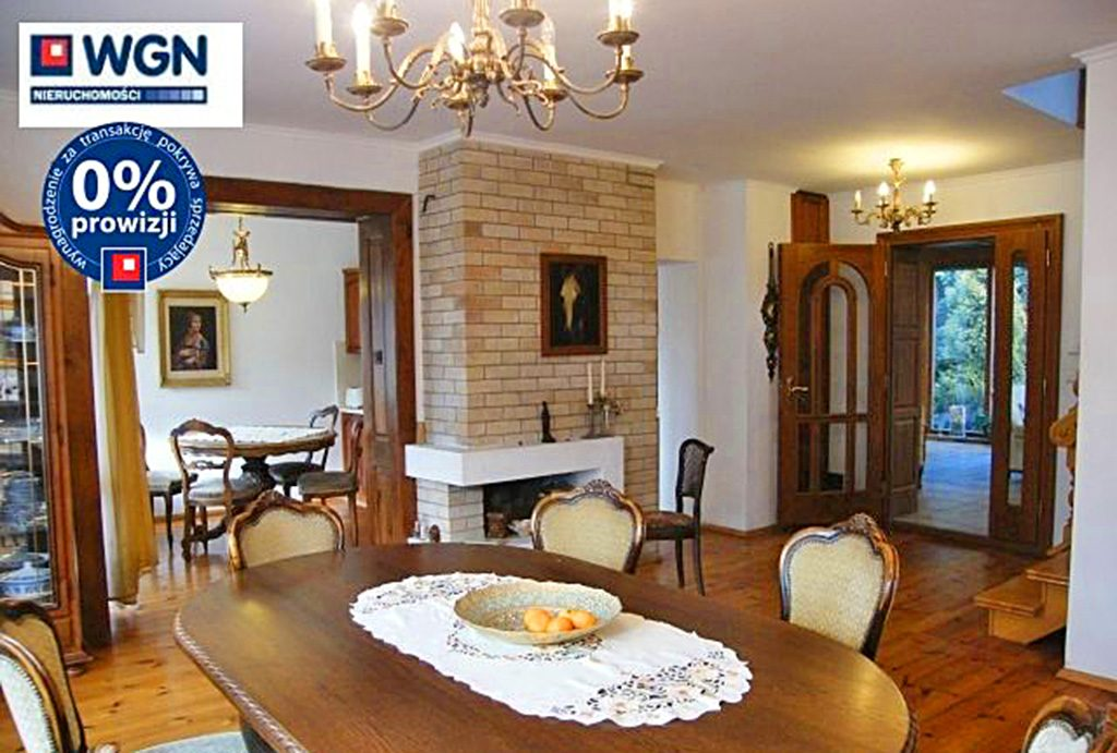 komfortowy salon w ekskluzywnej willi do sprzedaży w Słupsku