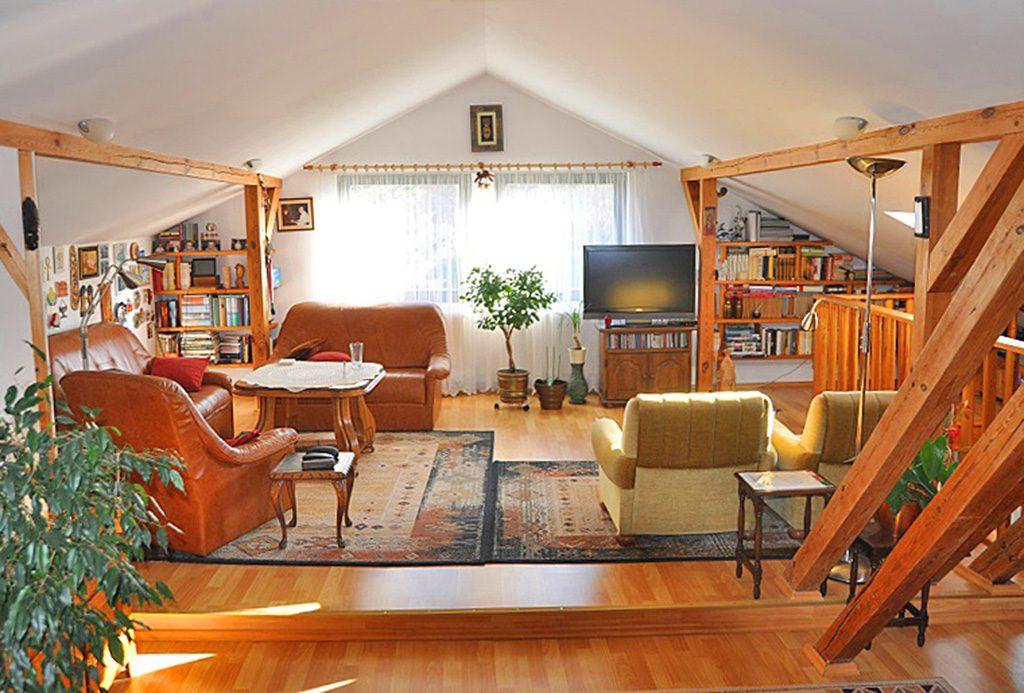 salon w luksusowej willi do sprzedaży w okolicach Legnicy