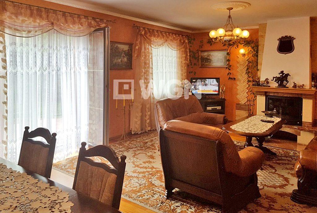prestiżowy salon w elitarnej willi do sprzedaży w okolicach Katowic