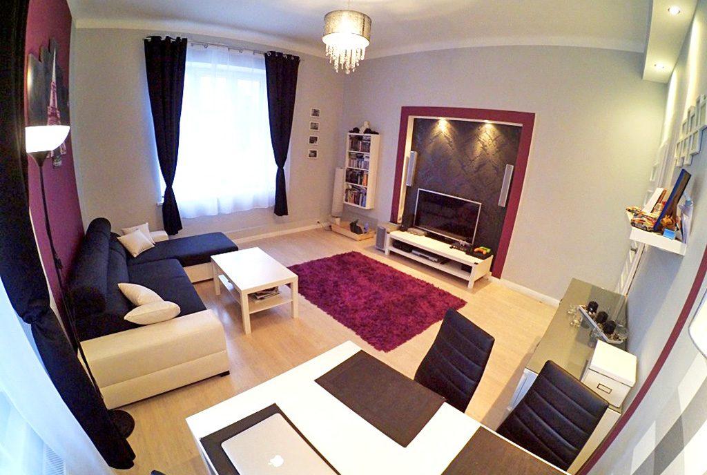 fragment komfortowego salonu w ekskluzywnym apartamencie do sprzedaży w Inowrocławiu