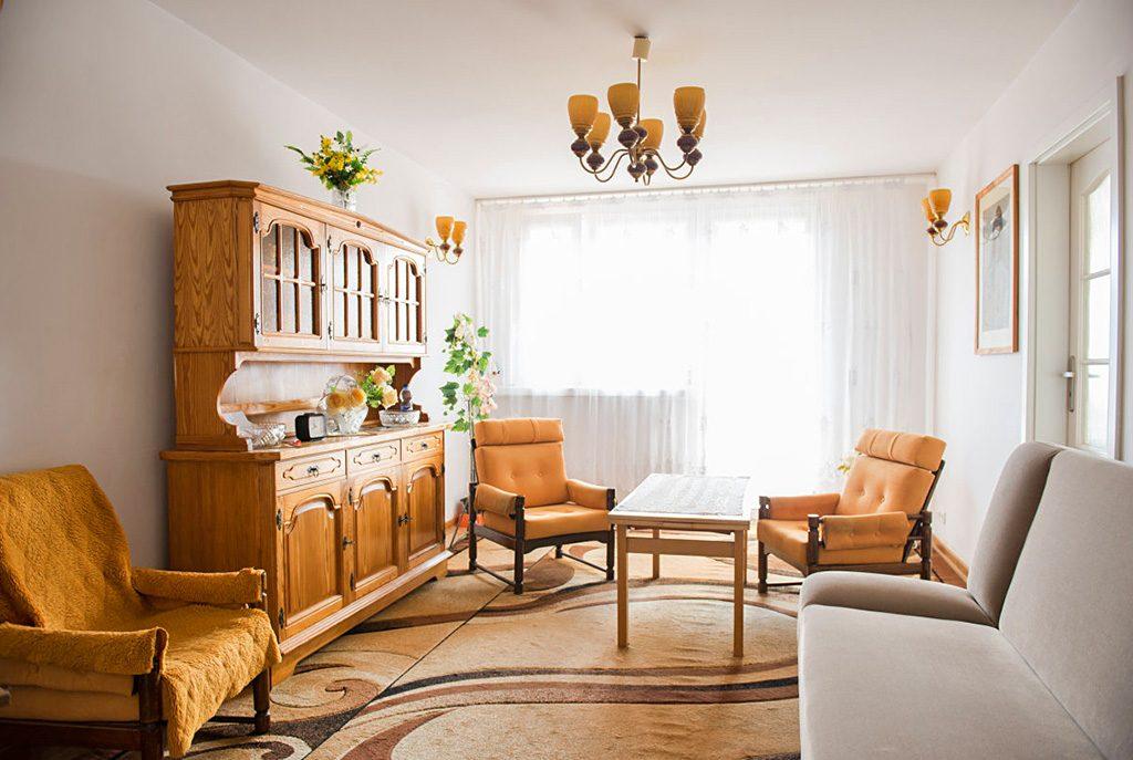 stylowy salon w ekskluzywnym apartamencie do sprzedaży we Wrocławiu