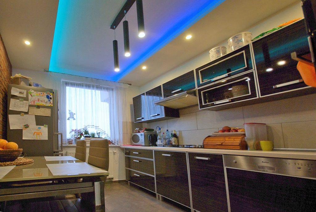 nowoczesna kuchnia w ekskluzywnym apartamencie do sprzedaży w okolicach Legnicy