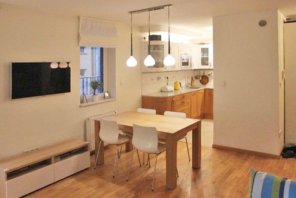 nowocześnie umeblowane wnętrze ekskluzywnego apartamentu do sprzedaży w Krakowie
