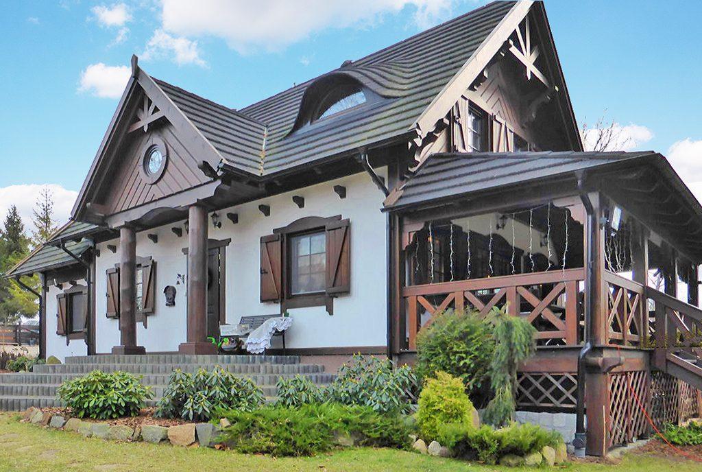 front luksusowej willi do sprzedaży w okolicach Starogardu Gdańskiego