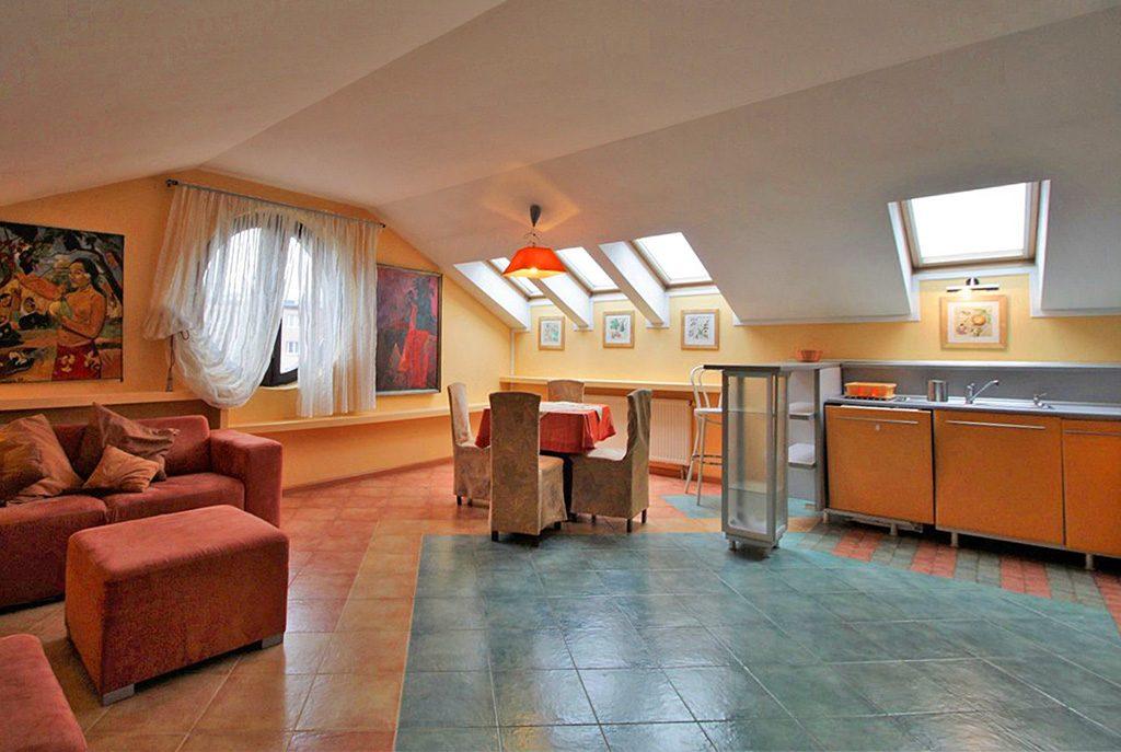 nowoczesne wnętrze salonu w ekskluzywnym apartamencie do sprzedaży w Krakowie