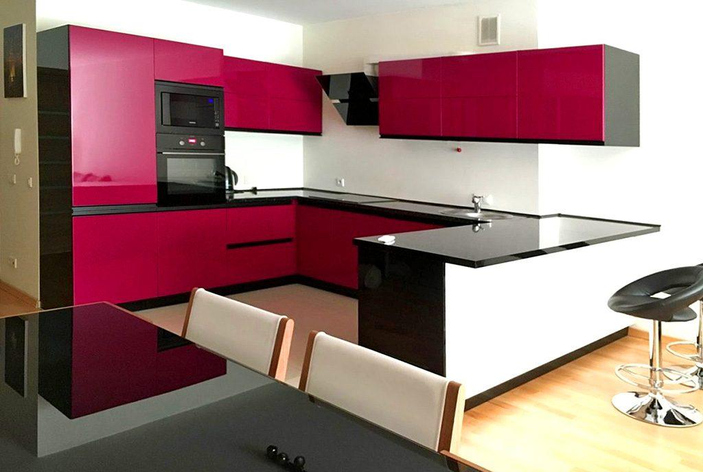 nowoczesna kuchnia w luksusowym apartamencie do wynajęcia w Katowicach