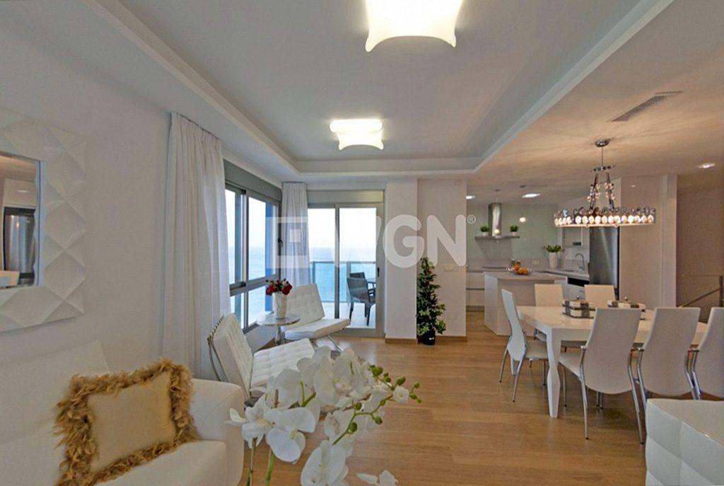 nowoczesne wnętrze ekskluzywnego salonu w luksusowym apartamencie do sprzedaży w Hiszpanii