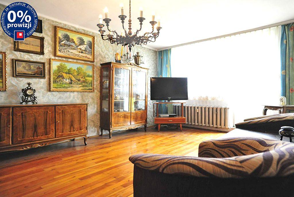 wytworny salon w ekskluzywnym apartamencie do sprzedaży w okolicach Katowic