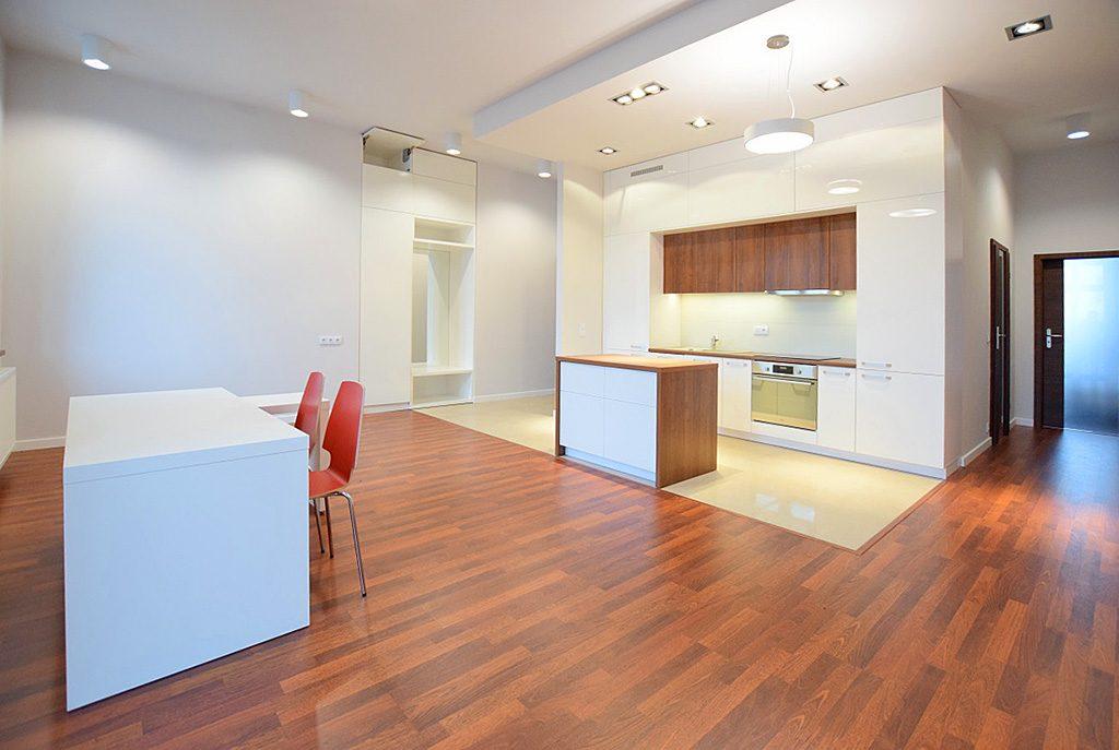 nowoczesne i przestronne wnętrze ekskluzywnego apartamentu do wynajęcia w Suwałkach