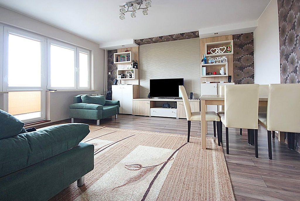 przestronny salon w ekskluzywnym apartamencie do wynajęcia w Szczecinie