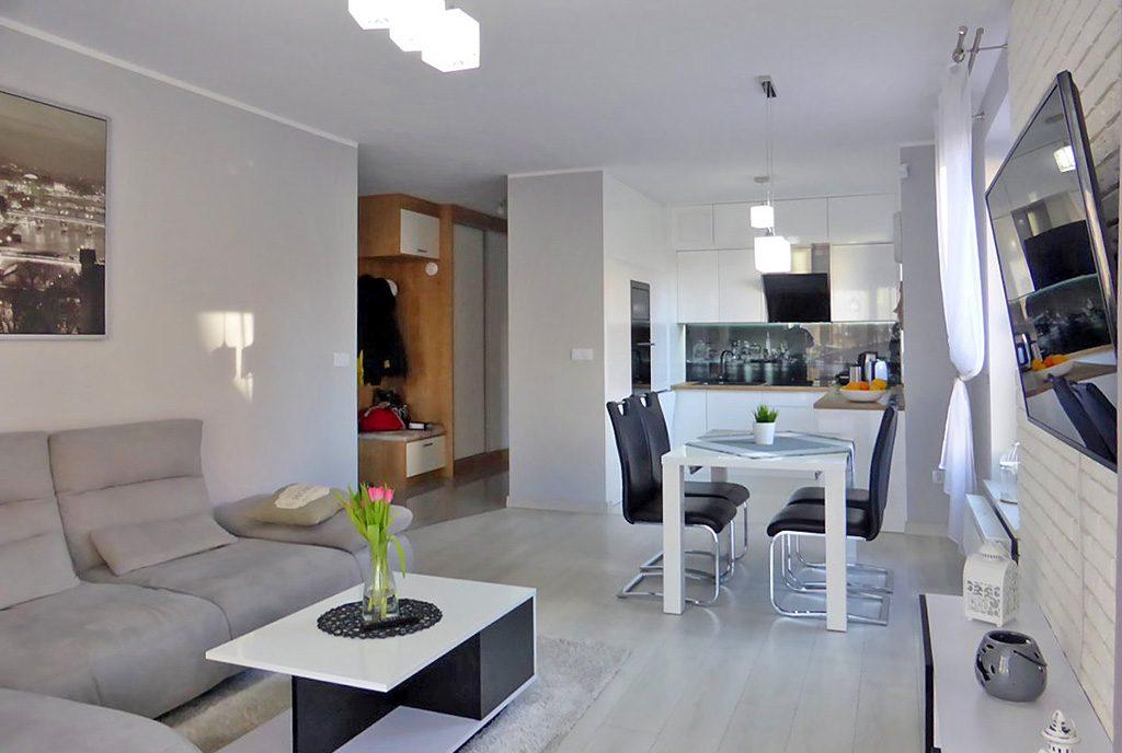 nowoczesne i przestronne wnętrze w ekskluzywnym apartamencie do wynajęcia w Kwidzynie