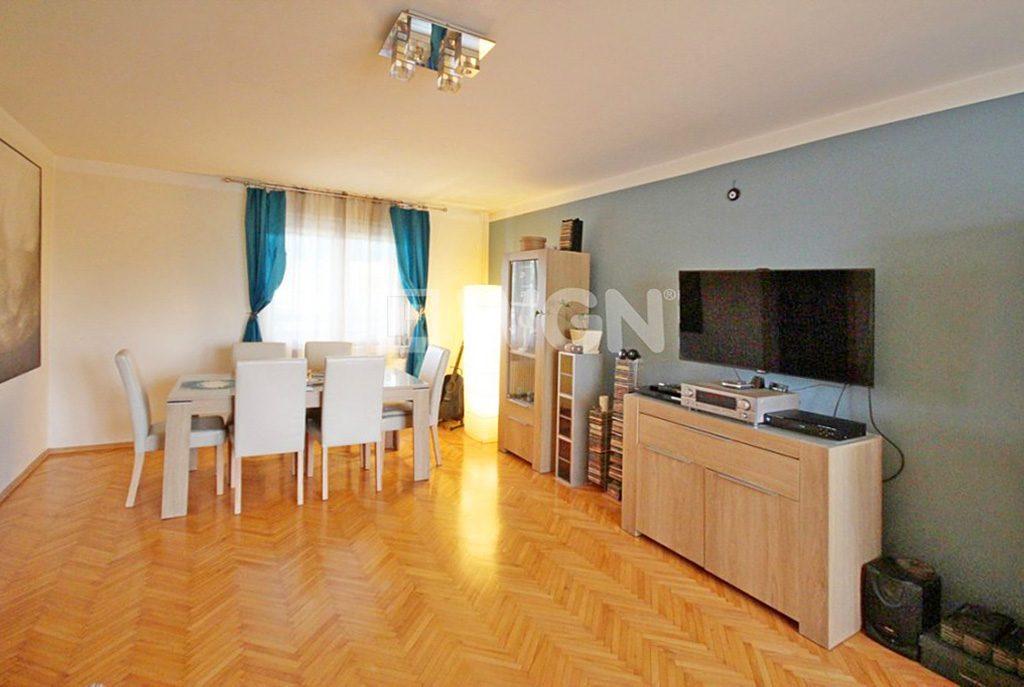 nowoczesny salon w ekskluzywnej willi do sprzedaży w Szczecinie