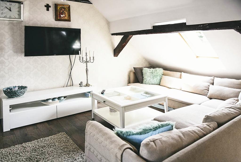 ekskluzywny salon w luksusowej willi do sprzedaży w okolicach Piły
