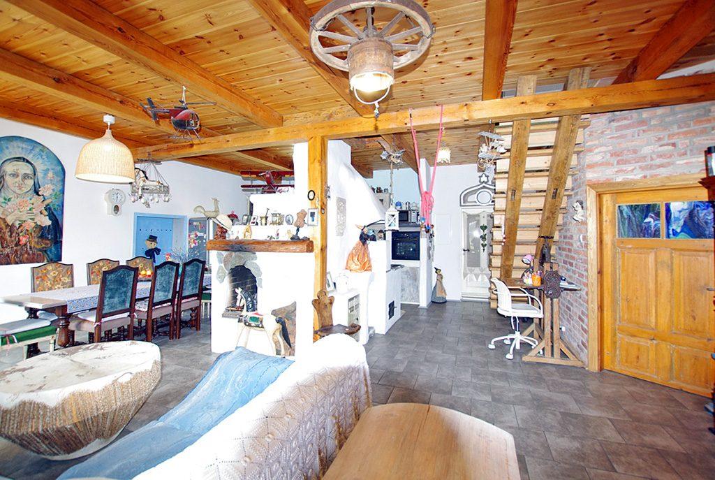 komfortowe wnętrze ekskluzywnej willi do sprzedaży w okolicy Legnicy