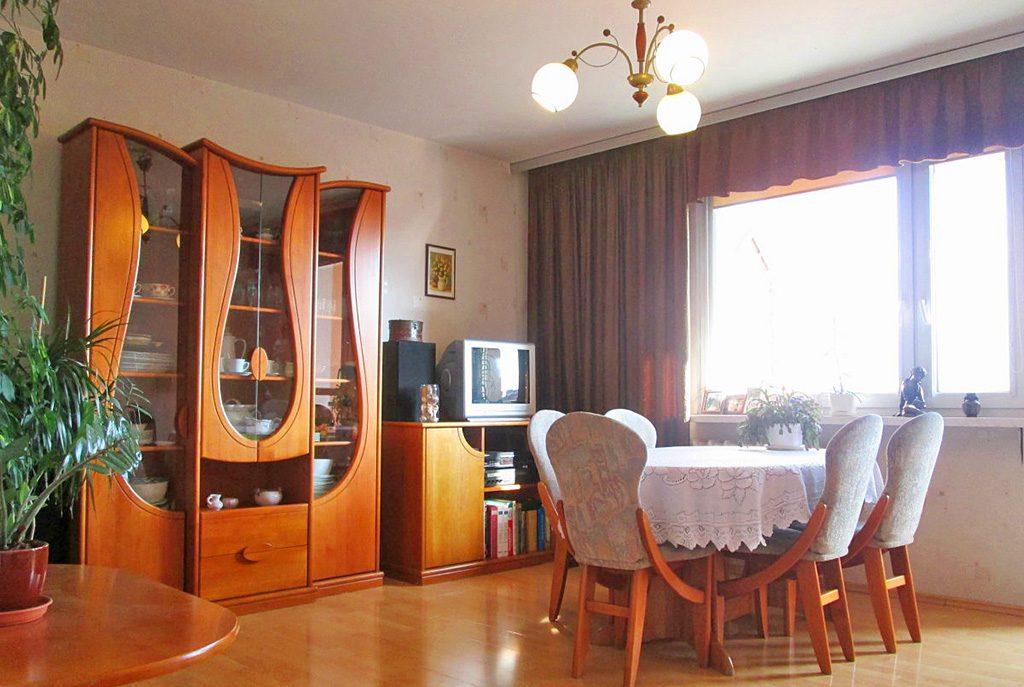 stylowy salon w ekskluzywnym apartamencie do sprzedaży w Kaliszu
