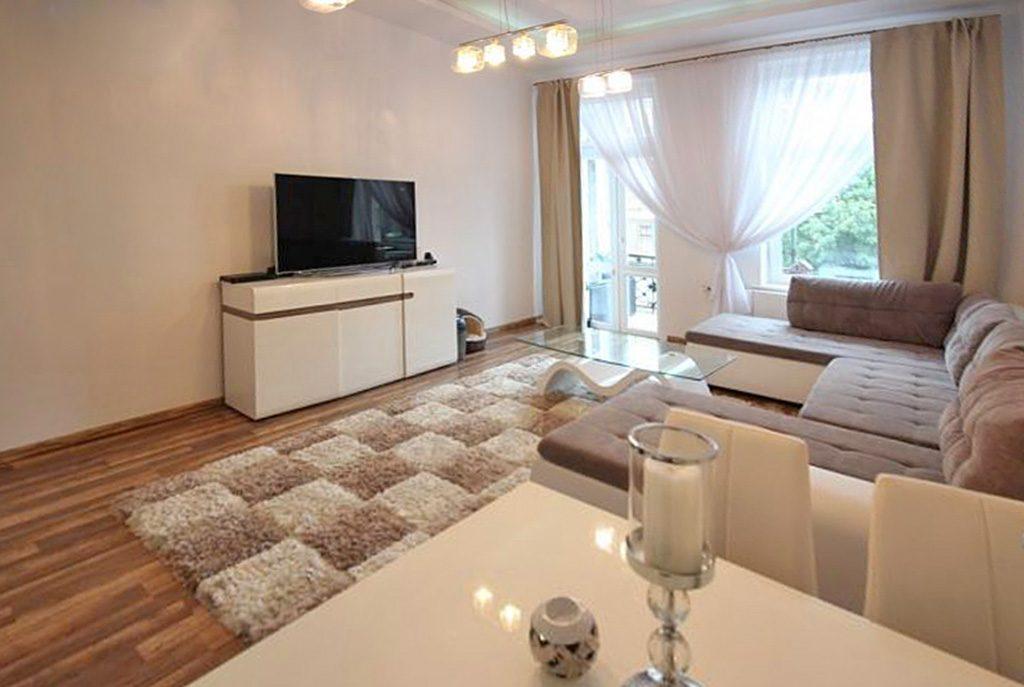 wytworne wnętrze salonu w ekskluzywnym apartamencie do sprzedaży w Szczecinie