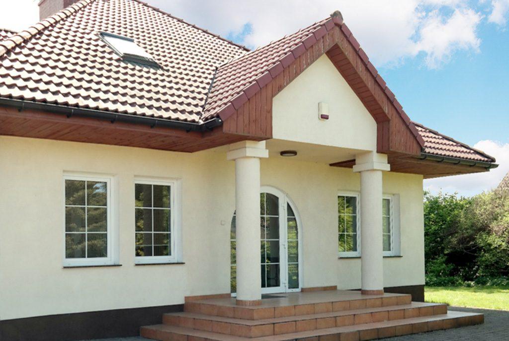reprezentacyjne wejście do ekskluzywnej willi do sprzedaży w Gorzowie Wielkopolskim