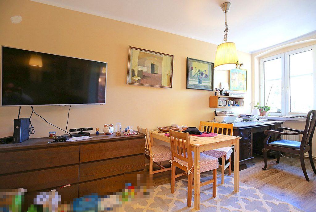stylowy salon w ekskluzywnym apartamencie do sprzedaży w Świnoujściu