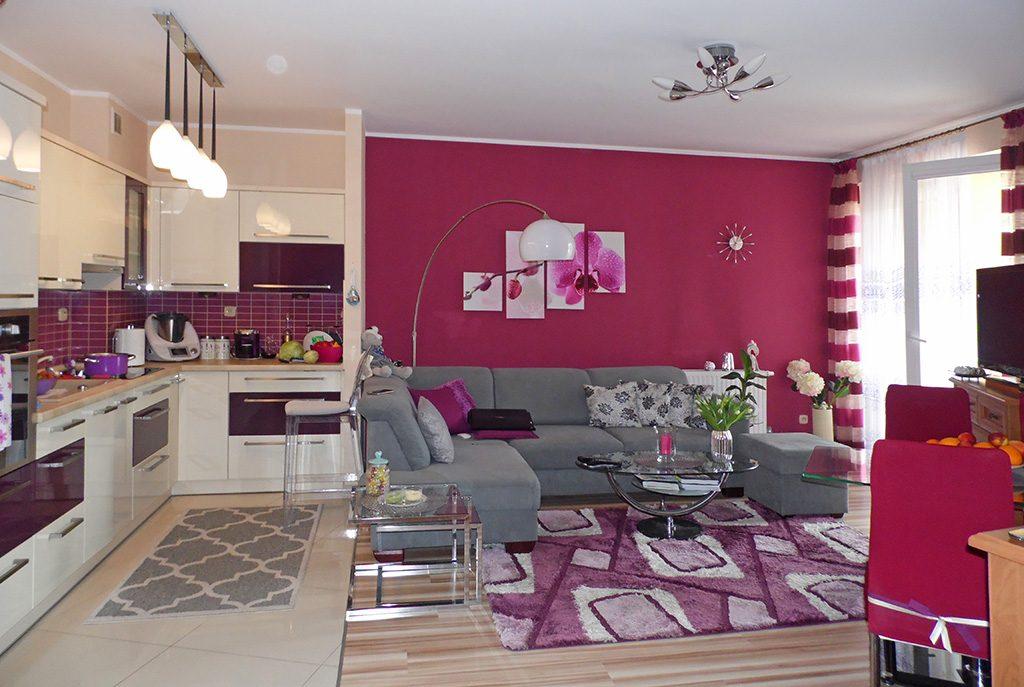 nowoczesny salon w ekskluzywnym apartamencie do sprzedaży w Malborku