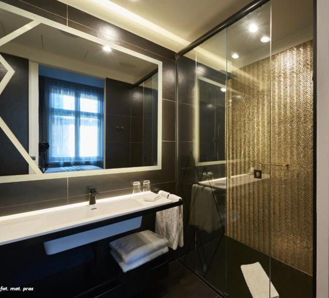 Szklana czerń- elegancki i niebanalny detal w nowoczesnych wnętrzach
