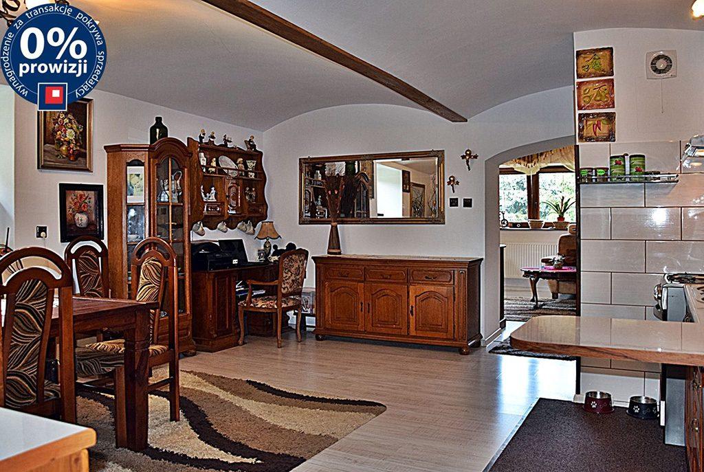 komfortowe wnętrze ekskluzywnej willi do sprzedaży w okolicach Legnicy